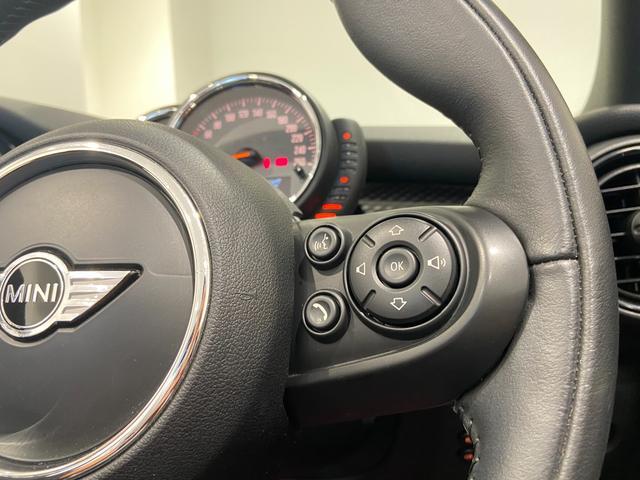 クーパーS コンバーチブル ハーフレザーシート 禁煙車 ブラックジャックルーフ LEDヘッドライト シートヒーター バックカメラ 後方センサー コンフォートアクセス アンビエントライト クルーズコントロール Blutooth(21枚目)