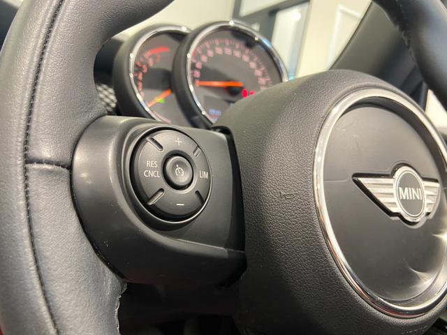 クーパーS コンバーチブル ハーフレザーシート 禁煙車 ブラックジャックルーフ LEDヘッドライト シートヒーター バックカメラ 後方センサー コンフォートアクセス アンビエントライト クルーズコントロール Blutooth(22枚目)