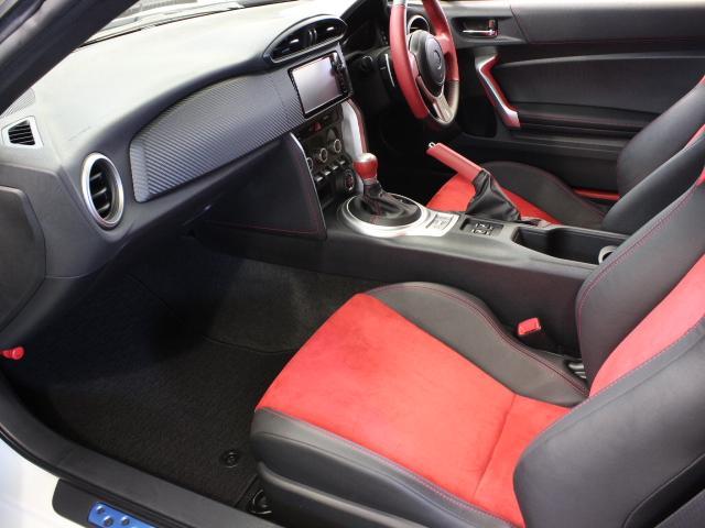 トヨタ 86 GTリミテッド TRDエアロ マフラー トムスLEDテール