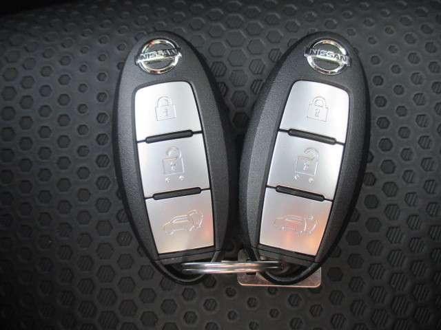 20Xi 全周囲モニター 衝突被害軽減システム メモリナビ 4WD アルミホイール バックモニター インテリキー アイドリングストップ ナビTV キーレス 盗難防止システム 試乗車 レーンアシスト ABS(11枚目)