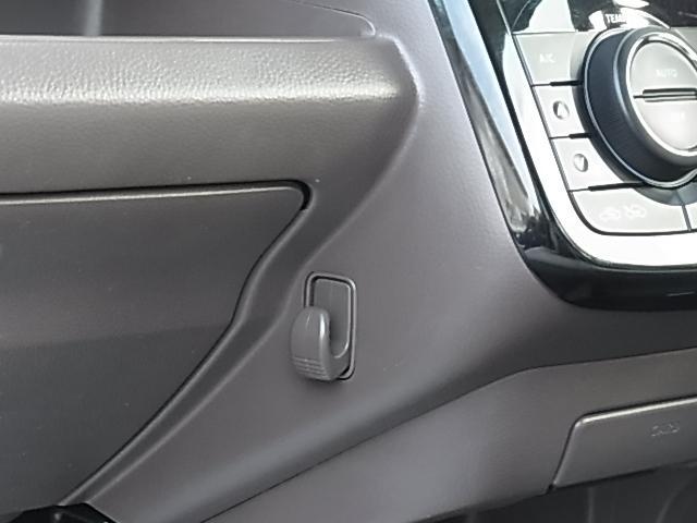 ドルチェG 後期型 TURBO 禁煙 ナビTV ETC DVD再生 Bluetooth接続可 インテリキー 本革巻ステアリング レザーシート 純正AW プライバシーガラス HID フォグ オートライト 1年保証付(5枚目)