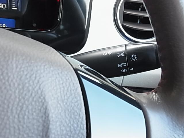 ドルチェG 後期型 TURBO 禁煙 ナビTV ETC DVD再生 Bluetooth接続可 インテリキー 本革巻ステアリング レザーシート 純正AW プライバシーガラス HID フォグ オートライト 1年保証付(8枚目)