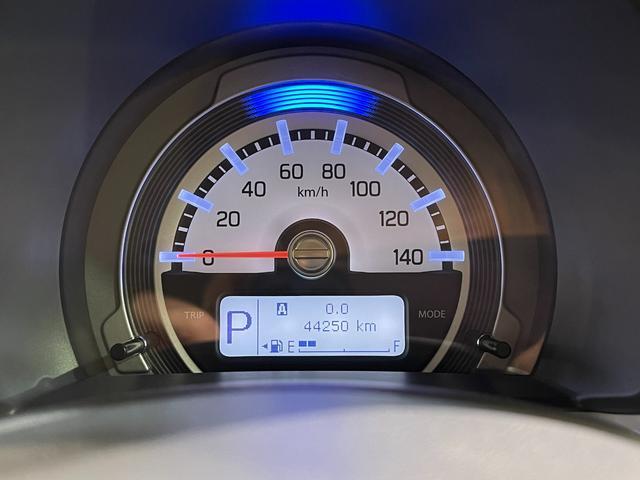 Gターボ ・ターボ車・衝突被害軽減システム・ナビ・ワンセグ・バックモニター・シートヒーター・プッシュスタート・HIDヘッドライト・Bluetooth・オートエアコン・ETC・ルーフキャリア・禁煙車(13枚目)