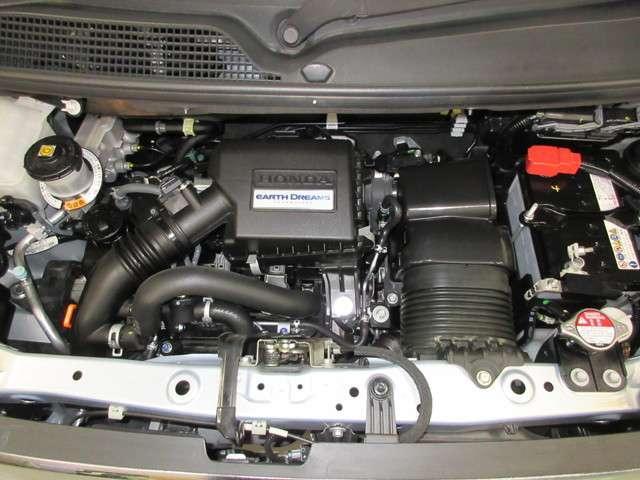 ピカピカのエンジンルーム!お渡し前には法定点検+消耗品交換の納車前整備がついてきますので安心ですね♪