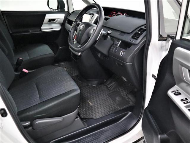 ZS 4WD 両側電動スライド アルミホイール メモリーナビ フルセグ 後席モニター DVD再生 バックカメラ ミュージックプレイヤー接続可 HIDヘッドライト ワンオーナー スマートキー 盗難防止装置(9枚目)