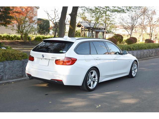 BMW BMW 320iツーリング Mスポーツ パドルシフト