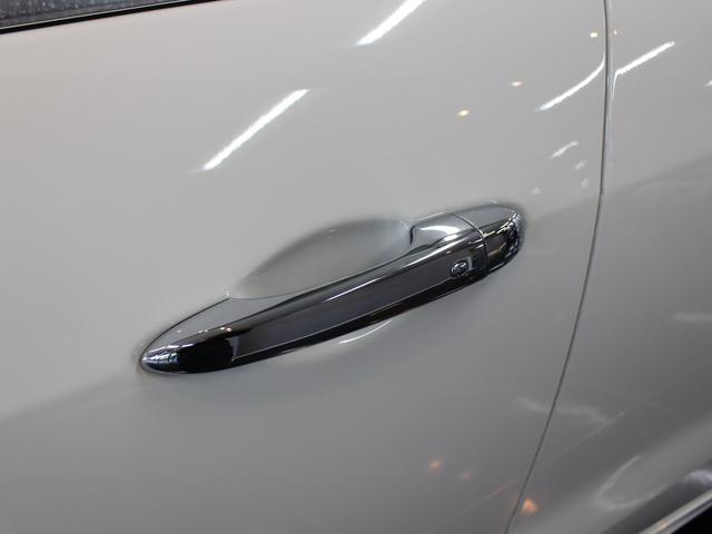 「マセラティ」「マセラティ レヴァンテ」「SUV・クロカン」「東京都」の中古車44