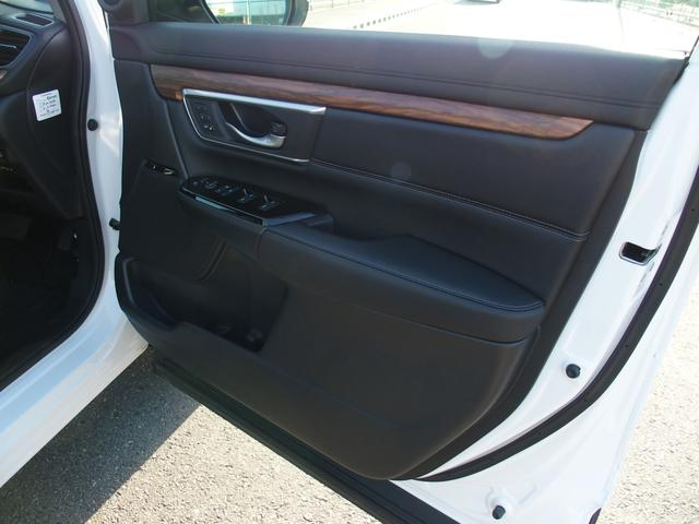 「ホンダ」「CR-Vハイブリッド」「SUV・クロカン」「神奈川県」の中古車33