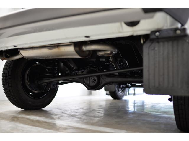 ラーダ ラーダ ニーバ ドイツ新車並行 レトロスタイルホイール