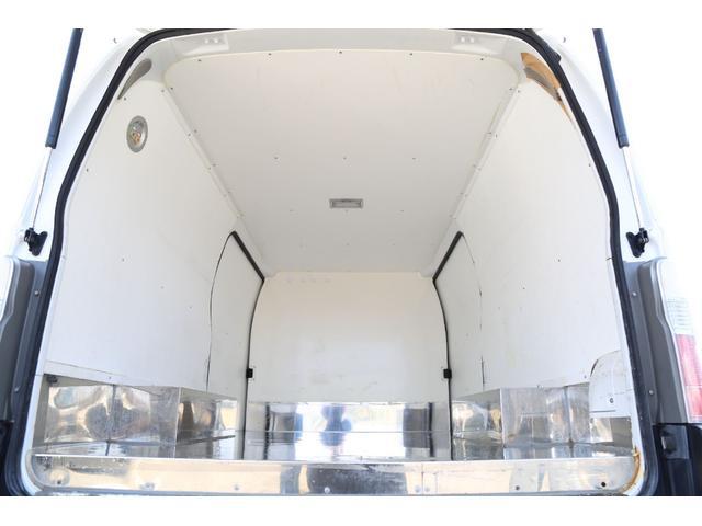 ロングDX 軽油ターボ 切替式4WD 保冷車 ナビ Bカメラ(18枚目)