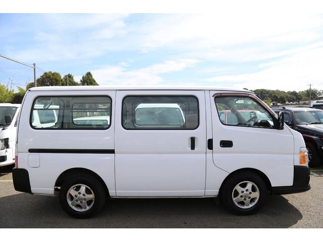 ロングDX軽油ターボ 切替式4WD 両側ドア 純正AW ナビ(4枚目)