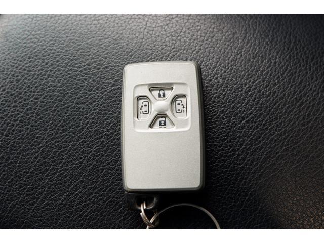 3.5アエラス Gエディション 4WD/中期型/3.5-V6/7人乗り/両側電動スライドドア/純正HDDナビ/DVDビデオ/フルセグTV/ミュージックサーバー/Bluetooth/ バックカメラ/純正フリップダウンモニター/禁煙車(24枚目)
