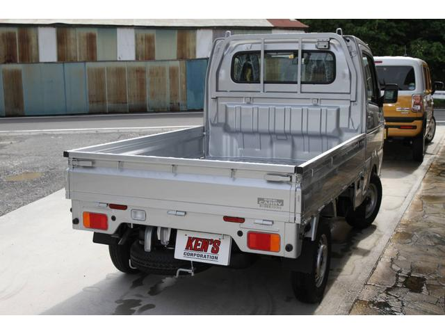 KX 3AT 届出済未使用車 マット付(8枚目)