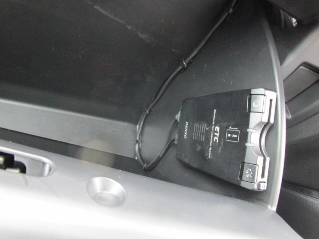 2.2 XD ディーゼルターボ 4WD LEDヘッドライト(13枚目)