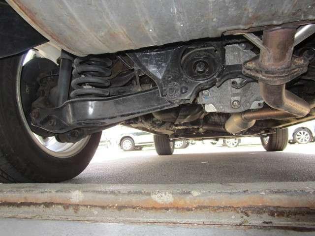 2.4 ヘリーハンセン リミテッド 4WD(18枚目)