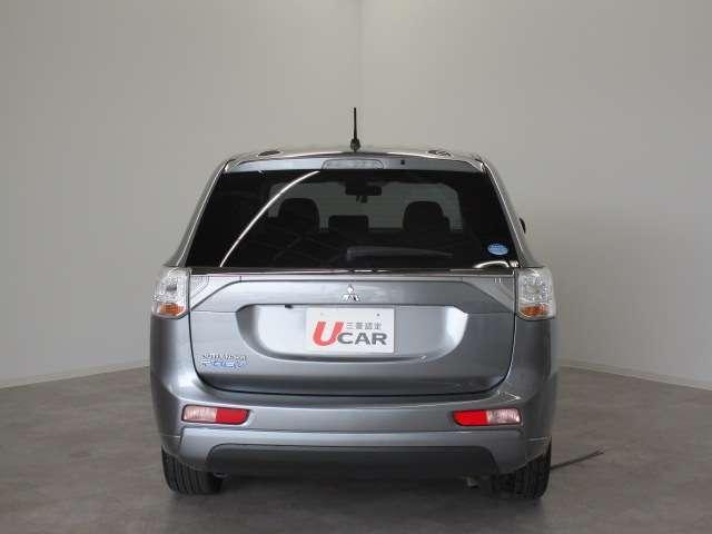 2000 Gナビパッケージ 4WD 5人乗り フロアシフト MMCSメモリーナビ・フルセグTV・サイドビューカメラ・バックビューカメラ・HIDヘッドランプ・フォグランプ・オートライト・電動Rハッチ・AC100V/1500W・クルコン・ETC・バッテリー残97%(7枚目)