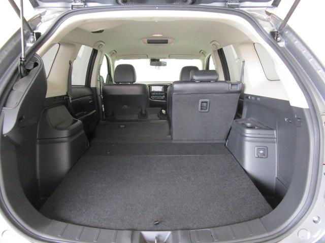 2000 Gナビパッケージ 4WD 5人乗り フロアシフト MMCSメモリーナビ・フルセグTV・サイドビューカメラ・バックビューカメラ・HIDヘッドランプ・フォグランプ・オートライト・電動Rハッチ・AC100V/1500W・クルコン・ETC・バッテリー残97%(24枚目)