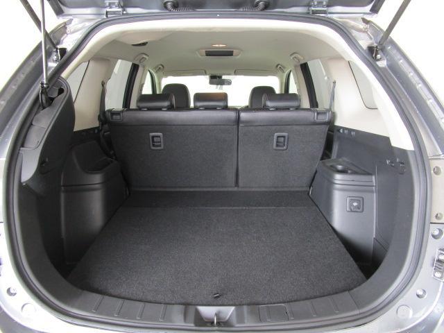 2000 Gナビパッケージ 4WD 5人乗り フロアシフト MMCSメモリーナビ・フルセグTV・サイドビューカメラ・バックビューカメラ・HIDヘッドランプ・フォグランプ・オートライト・電動Rハッチ・AC100V/1500W・クルコン・ETC・バッテリー残97%(25枚目)