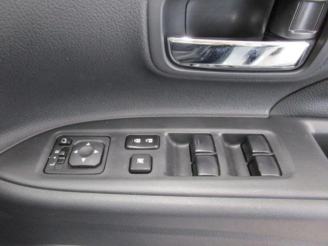 2000 Gナビパッケージ 4WD 5人乗り フロアシフト MMCSメモリーナビ・フルセグTV・サイドビューカメラ・バックビューカメラ・HIDヘッドランプ・フォグランプ・オートライト・電動Rハッチ・AC100V/1500W・クルコン・ETC・バッテリー残97%(52枚目)