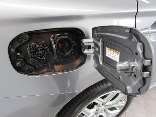 2000 Gナビパッケージ 4WD 5人乗り フロアシフト MMCSメモリーナビ・フルセグTV・サイドビューカメラ・バックビューカメラ・HIDヘッドランプ・フォグランプ・オートライト・電動Rハッチ・AC100V/1500W・クルコン・ETC・バッテリー残97%(71枚目)