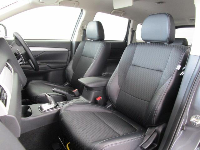 2000 Gナビパッケージ 4WD 5人乗り フロアシフト MMCSメモリーナビ・フルセグTV・サイドビューカメラ・バックビューカメラ・HIDヘッドランプ・フォグランプ・オートライト・電動Rハッチ・AC100V/1500W・クルコン・ETC・バッテリー残97%(74枚目)