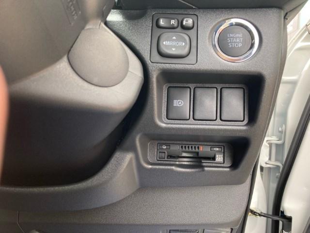 スーパーGL ダークプライム 登録済未使用車 TRDフルエアロ 純正メモリーナビ バックカメラ CD/DVD再生 Bluetooth再生 後席モニター ETC LEDヘッドランプ 衝突被害軽減ブレーキ ディーゼル(6枚目)