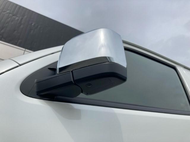 スーパーGL ダークプライム 登録済未使用車 TRDフルエアロ 純正メモリーナビ バックカメラ CD/DVD再生 Bluetooth再生 後席モニター ETC LEDヘッドランプ 衝突被害軽減ブレーキ ディーゼル(11枚目)