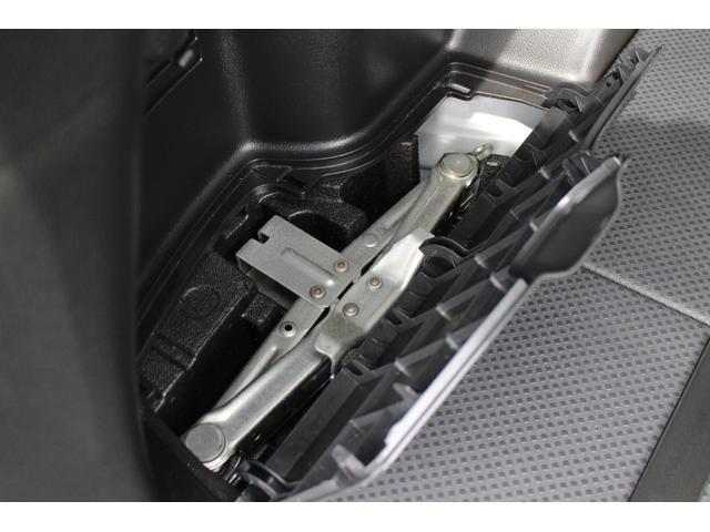 20X プレシャス認定車 168項目無料保証付 コーナーセンサー 全席シートヒーター 寒冷地仕様 スマートキー Bluetooth DVD CD 地デジTV バックカメラ HID ETC 横滑り防止 盗難防止(48枚目)