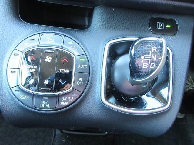 ハイブリッドX 両側パワースライドドア アルパインSDナビ Bカメラ フリップダウンモニター フルセグTV Bluetooth接続 ビルトインETC LEDヘッドライト 純正15インチアルミホイール プッシュスタート(13枚目)