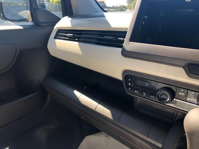 Lホンダセンシング 衝突被害軽減ブレーキ装着車・キーレスプッシュスタート・オートエアコン・電動パーキング・充電用USB端子・オーディオレス仕様・バックカメラ(19枚目)