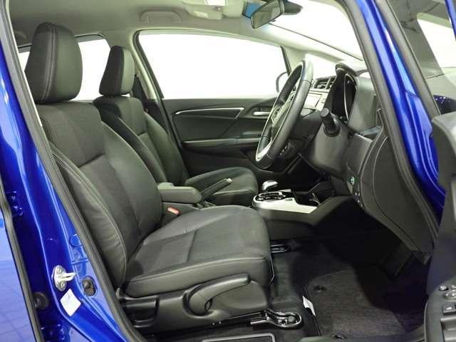 L ホンダセンシング Honda認定中古車 インターナビ DVD再生 Bluetooth フルセグTV USB接続端子バックカメラ LEDヘッドライト アダプティブクルーズ 電動格納ドアミラー ETC車載器(12枚目)