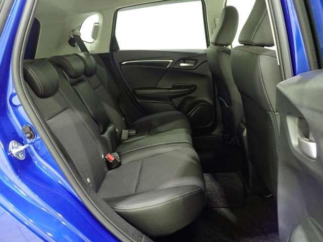 L ホンダセンシング Honda認定中古車 インターナビ DVD再生 Bluetooth フルセグTV USB接続端子バックカメラ LEDヘッドライト アダプティブクルーズ 電動格納ドアミラー ETC車載器(13枚目)