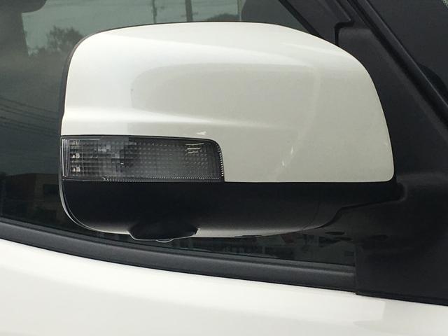 ウインカー付きドアミラーです!対向車からの視認性も上がり、安全性の向上にも貢献してくれます^^