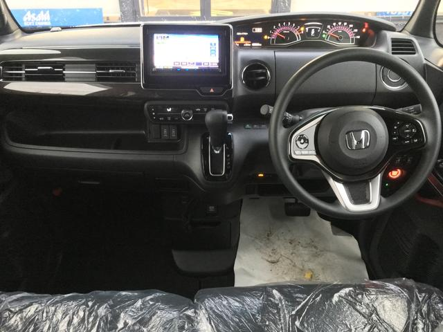 掲載車両はスタンダードタイプのフロアマットを装着しており、19,224円となります。