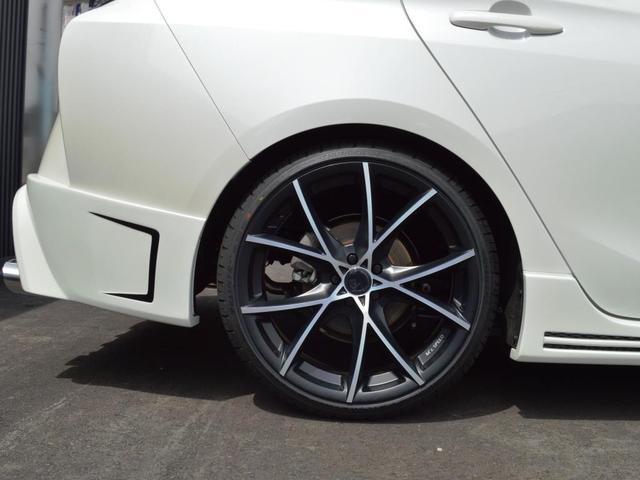 トヨタ プリウス Sコンプリートカー 車高調 19インチAW LEDフォグ