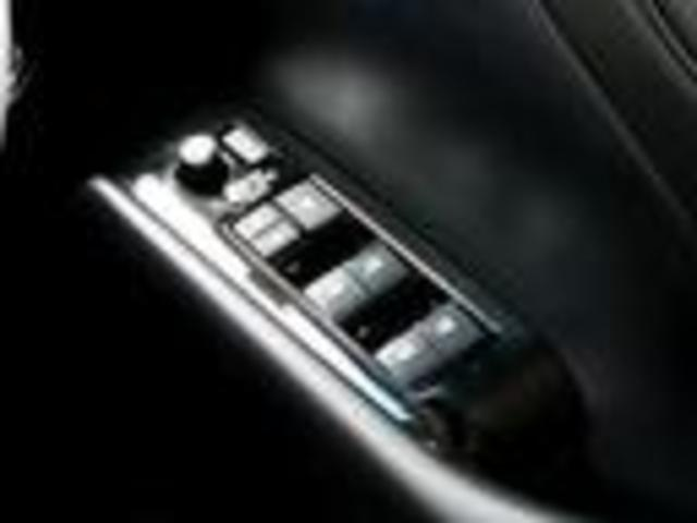 S Cパッケージ 3眼LEDルーフ 11型ナビ後席モニター(16枚目)