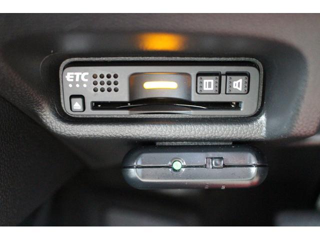 L ホンダセンシング 1オーナー/禁煙/Fパッケージ/ダイアトーン9型サウンドナビ/バックカメラ/ブルートゥース/フルセグ/レーンキープ/LEDライト/ETC/コンフォートビューpkg/新車メーカー保証付(12枚目)