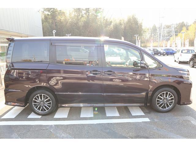 「トヨタ」「ヴォクシー」「ミニバン・ワンボックス」「千葉県」の中古車11