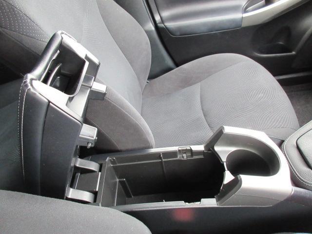 S 2年保証付 ナビ フルセグ Bカメラ ETC Bluetooth シートヒーター ステアリングヒーター コーナーセンサー HID 純正アルミ(31枚目)