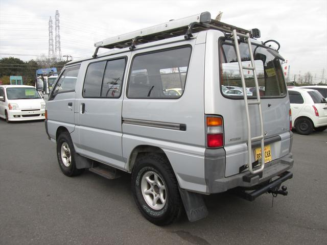 GL ガソリン車 リフトアップ 5速MT 4WD(3枚目)