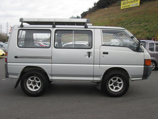GL ガソリン車 リフトアップ 5速MT 4WD(8枚目)