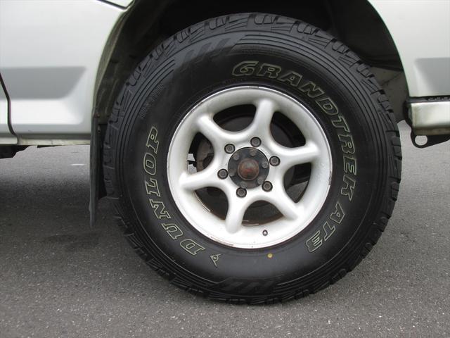 GL ガソリン車 リフトアップ 5速MT 4WD(10枚目)
