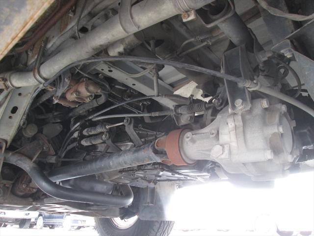 GL ガソリン車 リフトアップ 5速MT 4WD(16枚目)