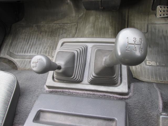 GL ガソリン車 リフトアップ 5速MT 4WD(18枚目)