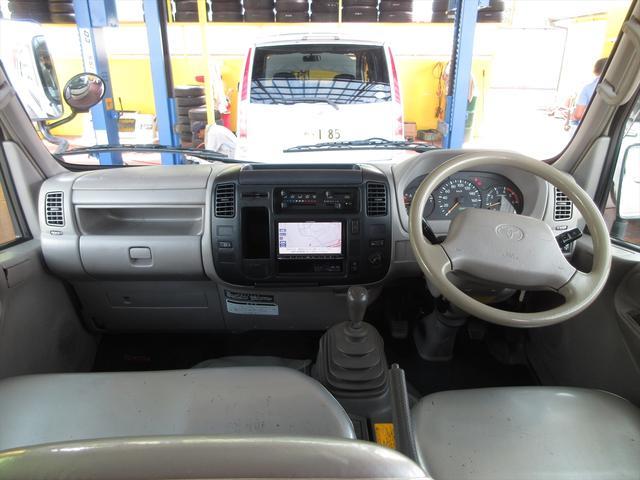 Wキャブロングシングルジャストロ 5速マニュアル 4WD ディーゼル ワンセグメモリーナビ 全窓パワーウィンドウ ETC リアクーラー スタッドレスタイヤ付属(13枚目)