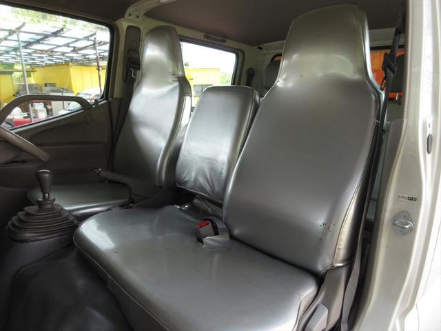 Wキャブロングシングルジャストロ 5速マニュアル 4WD ディーゼル ワンセグメモリーナビ 全窓パワーウィンドウ ETC リアクーラー スタッドレスタイヤ付属(14枚目)