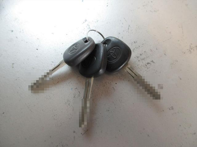 Wキャブロングシングルジャストロ 5速マニュアル 4WD ディーゼル ワンセグメモリーナビ 全窓パワーウィンドウ ETC リアクーラー スタッドレスタイヤ付属(36枚目)