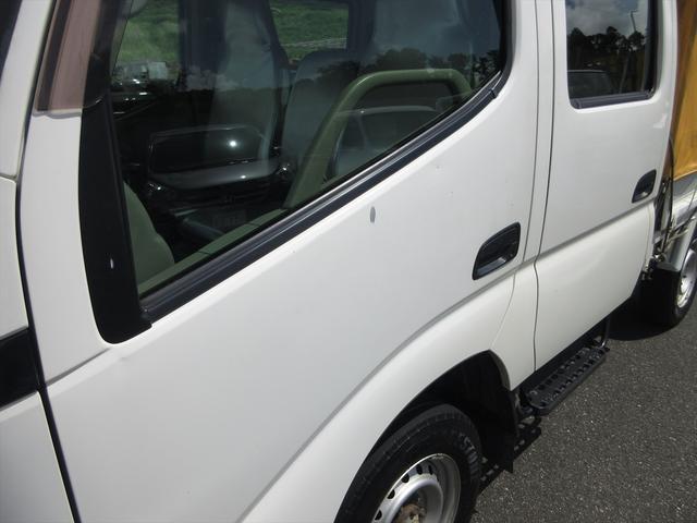 Wキャブロングシングルジャストロ 5速マニュアル 4WD ディーゼル ワンセグメモリーナビ 全窓パワーウィンドウ ETC リアクーラー スタッドレスタイヤ付属(49枚目)