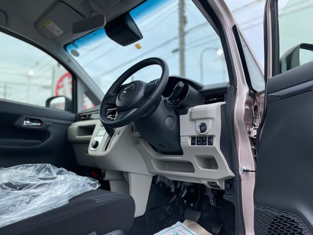 XリミテッドII SAIII 届出済未使用車 スマートキー プッシュスタート バックカメラ ドア連動電動格納ミラー オートエアコン オートライト オートハイビーム 専用アルミホイール LEDライト(7枚目)