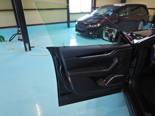 「マセラティ」「レヴァンテ」「SUV・クロカン」「千葉県」の中古車8